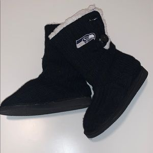 NWOB Seahawks Knitted Furry Boots